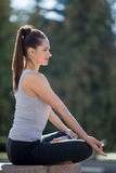 Street yoga: relaxation Royalty Free Stock Photography