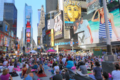 Street Yoga in Times Square Royalty Free Stock Photography