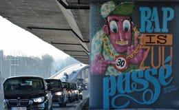 Streetart, сообщение, управляет не более после этого 30 km час в городе Стоковое Изображение