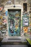 Streetart van verscheidene kunstenaars in Berlijn royalty-vrije stock afbeeldingen
