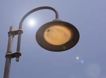 Streetlamp και ήλιων φλόγα Στοκ φωτογραφίες με δικαίωμα ελεύθερης χρήσης