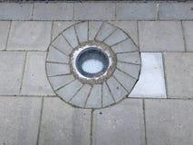 Streetlamp constructd στο πεζοδρόμιο Στοκ φωτογραφία με δικαίωμα ελεύθερης χρήσης