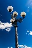 Streetlamp i Florence blå himmel Arkivfoto