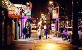 Streetlife de la ciudad en la playa de Brighton, Nueva York Foto de archivo