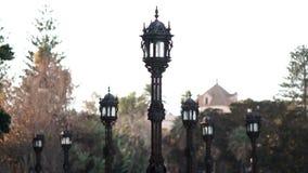 Streetlights przy Apodaca deptakiem Cadiz Hiszpania zbiory wideo