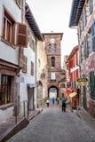 Streetscape de Saint-Jean-Pie-De-port en France photos stock