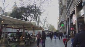 Streetscene στο κέντρο της πόλης της Βαρκελώνης, Passeig de Gracia Street φιλμ μικρού μήκους