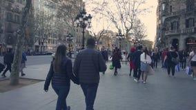 Streetscene στο κέντρο της πόλης της Βαρκελώνης, Passeig de Gracia Street απόθεμα βίντεο