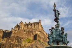 Streetsin Edimbourg - le château image libre de droits