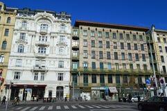 Streetview av Otto Wagners Art Nouveau arkitektur Wien Royaltyfria Bilder