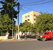 Streetview av stadsmitten av N'Djamena, Tchad royaltyfria bilder