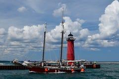 Strega alta di rosso della nave Fotografia Stock