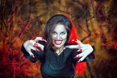Strega arrabbiata di Halloween immagine stock