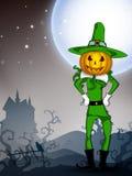 Strega della zucca nella notte di Halloween. Immagine Stock