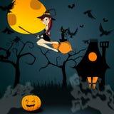 Strega sveglia di Halloween con il volo del gatto nero nel fron Fotografie Stock