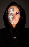Strega Two-faced che osserva alla macchina fotografica Immagini Stock Libere da Diritti