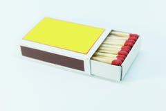 Streichholzschachtel geöffnet auf weißem Hintergrund Lizenzfreies Stockfoto