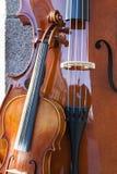 Streichinstrumente an sabatini garderns Stockfotografie