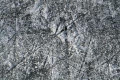 Streifen und Kratzer im See Stockbild