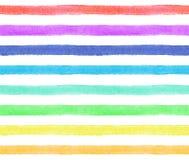 Streifen von Regenbogenfarben auf weißem Hintergrund Nahtloses Muster des Aquarells Stockfotos