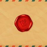 Streng geheim rotes Wachssiegel auf altem Umschlag Lizenzfreie Stockbilder