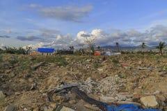Strenge schade van aardbeving en vloeibaarmakings natuurrampen stock afbeeldingen