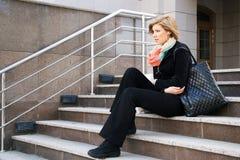 stres pod kobietą Zdjęcia Royalty Free
