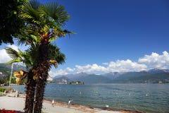 STRESA, ITALIA - 11 maggio 2018 - scena Stresa, località di soggiorno famosa di estate sulla riva occidentale del lago Maggiore Fotografia Stock