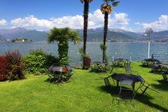 STRESA, ITALIA - 11 maggio 2018 - scena Stresa, località di soggiorno famosa di estate sulla riva occidentale del lago Maggiore Fotografie Stock Libere da Diritti