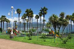 STRESA, ITALIE - 11 mai 2018 - scène Stresa, station de vacances célèbre d'été sur le rivage occidental du lac Maggiore Photo libre de droits