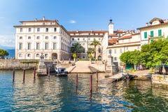 Stresa sjö Maggiore, Italien, 05 Juli 2017 Sikt av renässans Fotografering för Bildbyråer