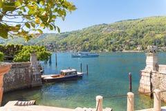 Stresa, Verbania, Itália - 21 de abril de 2017: Vista da ilha Bella, as ilhas de Borromean do lago Maggiore em Piedmont, Itália Foto de Stock