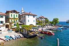 Stresa, Verbania, Italia - 21 aprile 2017: Vista dell'isola Fisherm Immagini Stock Libere da Diritti