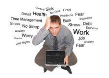 stresować się stresujący się laptopu mężczyzna Zdjęcia Royalty Free