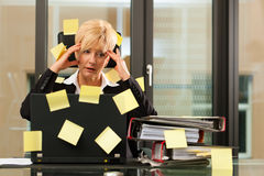 Stress im Büro - Multitasking Royalty Free Stock Photo