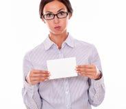 Stressad brunettaffärskvinna med kopieringsutrymme Royaltyfria Bilder
