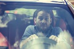 Stressed ha spaventato il driver dell'uomo Automobilista ansioso inesperto Immagine Stock Libera da Diritti