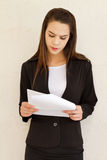 Stressful female business executive Royalty Free Stock Photos