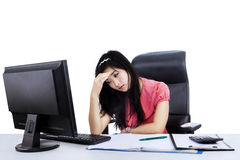 Stressful young businesswoman Royalty Free Stock Photography