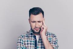 Stresu i opieki zdrowotnej pojęcie Zamyka w górę portreta atrakcyjny obraz stock