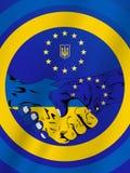 Stretta di mano UE ed Ucraina Fotografie Stock Libere da Diritti