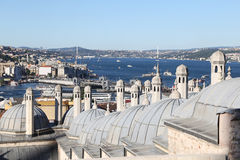 Stretto di Bosphorus nella città di Costantinopoli immagini stock libere da diritti