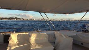 Stretto di Messina dall'yacht di lusso stock footage