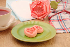 Strew berry heart cookies Royalty Free Stock Photos