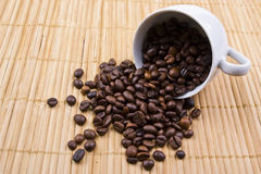 Strewn grains of coffee Royalty Free Stock Images