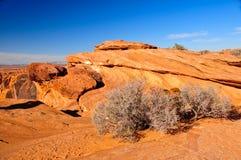 Striated στρώματα βράχου στην έρημο της Αριζόνα Στοκ Εικόνες