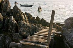 Strichleiter zum Meer stockfotografie