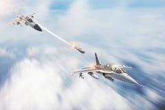 Stridkämpen lanserar missiler på ett mål - en annan jaktflygplan Konflikt krig Rymdstyrkor arkivbilder