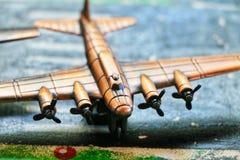 Stridsflygplanlandning för gammal skola fotografering för bildbyråer
