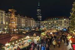 Striezelmarkt i Dresden, den av Tyskland ?ldst dokumenterade julmarknader arkivfoton